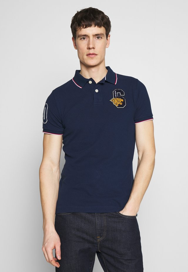 VARSITY APPLIQUE - Poloshirt - supermarine navy