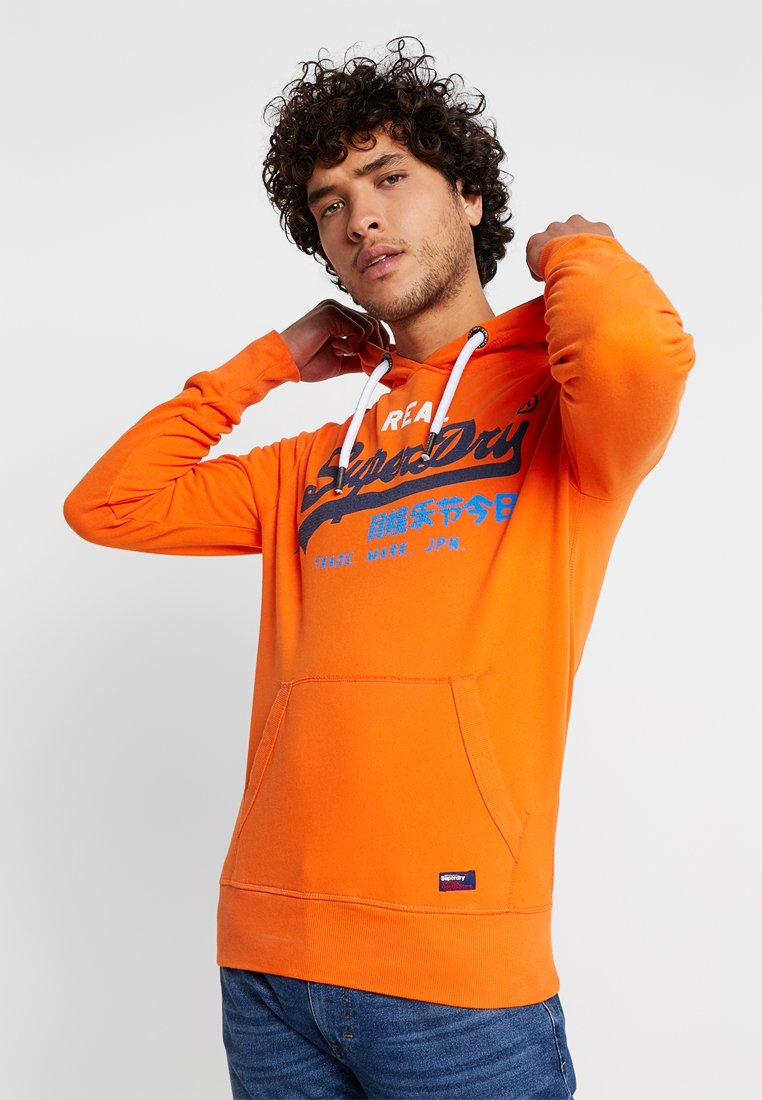 Superdry - VINTAGE LOGO TRI HOOD - Hoodie - radient orange