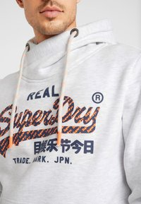 Superdry - VINTAGE LOGO NEON TIP HOOD - Sweat à capuche - ice marl - 6