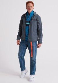Superdry - POLAR INTERNATIONAL TRACK - Fleece trui - seaport - 1