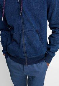 Superdry - LABEL CLASSIC ZIP HOOD - Bluza rozpinana - dark wash indigo - 3