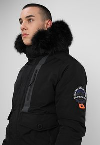 Superdry - EVEREST  - Winterjas - black - 4