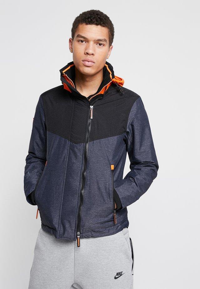 HOODED TECH AXIS POP ZIP - Lett jakke - orange/black/dark navy