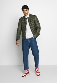 Superdry - COMMUTER QUILTED BIKER - Lehká bunda - army khaki - 1
