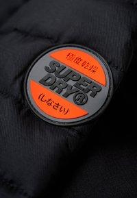 Superdry - Välikausitakki - black - 4