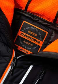 Superdry - Välikausitakki - black - 3