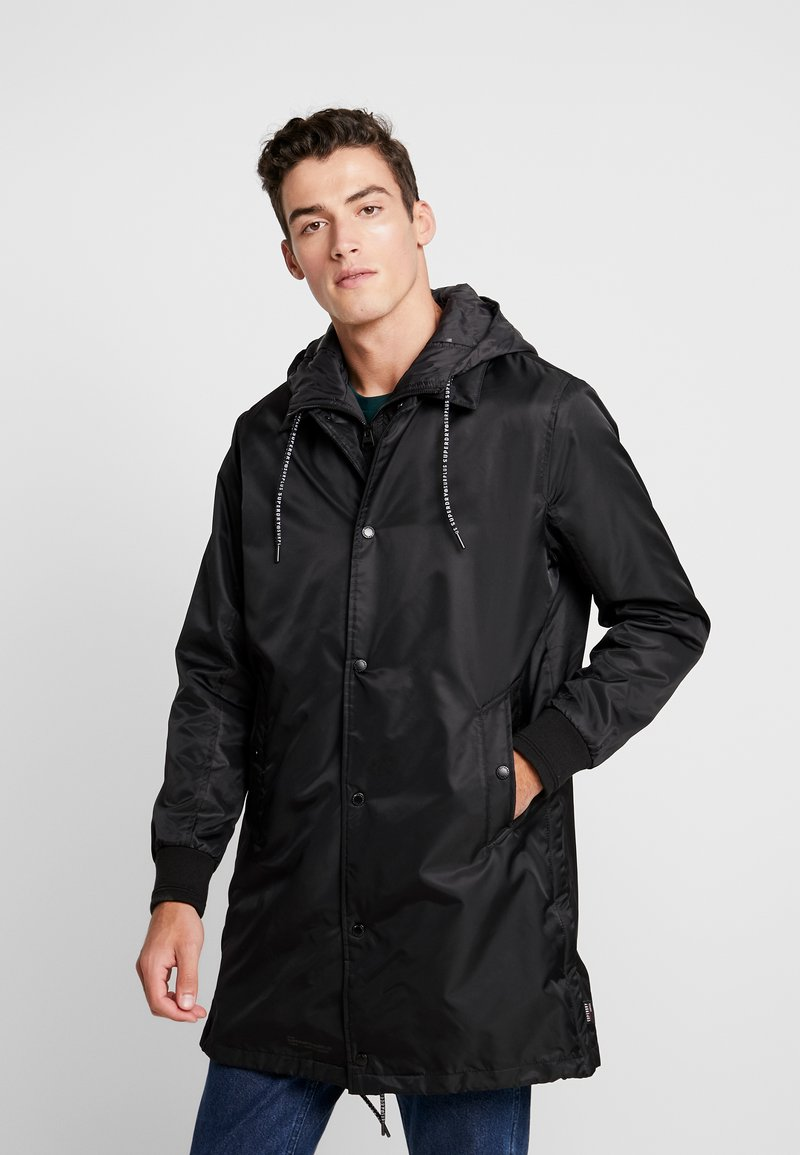 Superdry - GOODS COACH - Trenchcoat - black