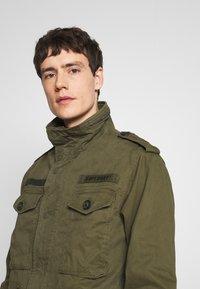 Superdry - ROOKIE FIELD JACKET - Summer jacket - ivy green - 3