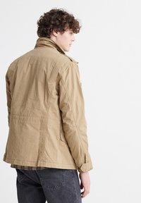 Superdry - FIELD - Summer jacket - dress beige - 2