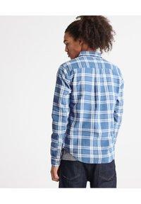 Superdry - MERCHANT MILLED LITE - Shirt - blue check - 2