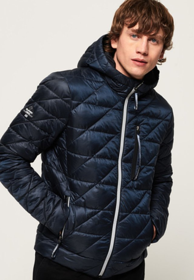 SUPERDRY DIAGONAL QUILT FUJI JACKET - Winterjas - lauren navy