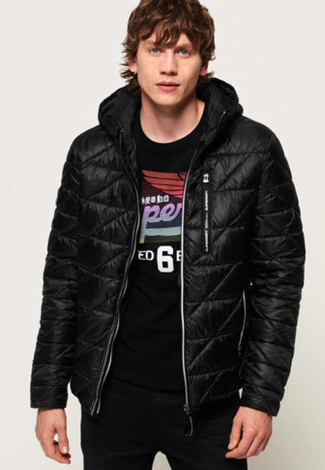 SUPERDRY DIAGONAL QUILT FUJI JACKET - Winterjas - jet black