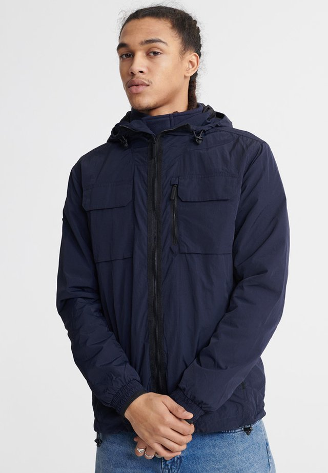 SUPERDRY EDIT TRAVELLER CAGOULE - Outdoorjas - edit navy