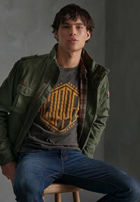 Superdry - CLASSIC ROOKIE - Summer jacket - army green - 1