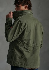 Superdry - CLASSIC ROOKIE - Summer jacket - army green - 3