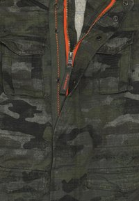 Superdry - ROOKIE 4 POCKET JACKET - Winter jacket - olive - 4