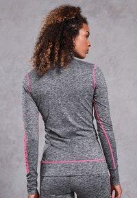 Superdry - Sportshirt - light grey - 2