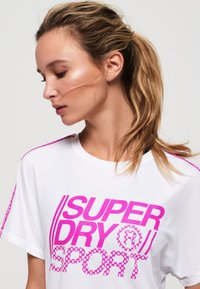 Superdry - CORE - T-shirt z nadrukiem - white - 3