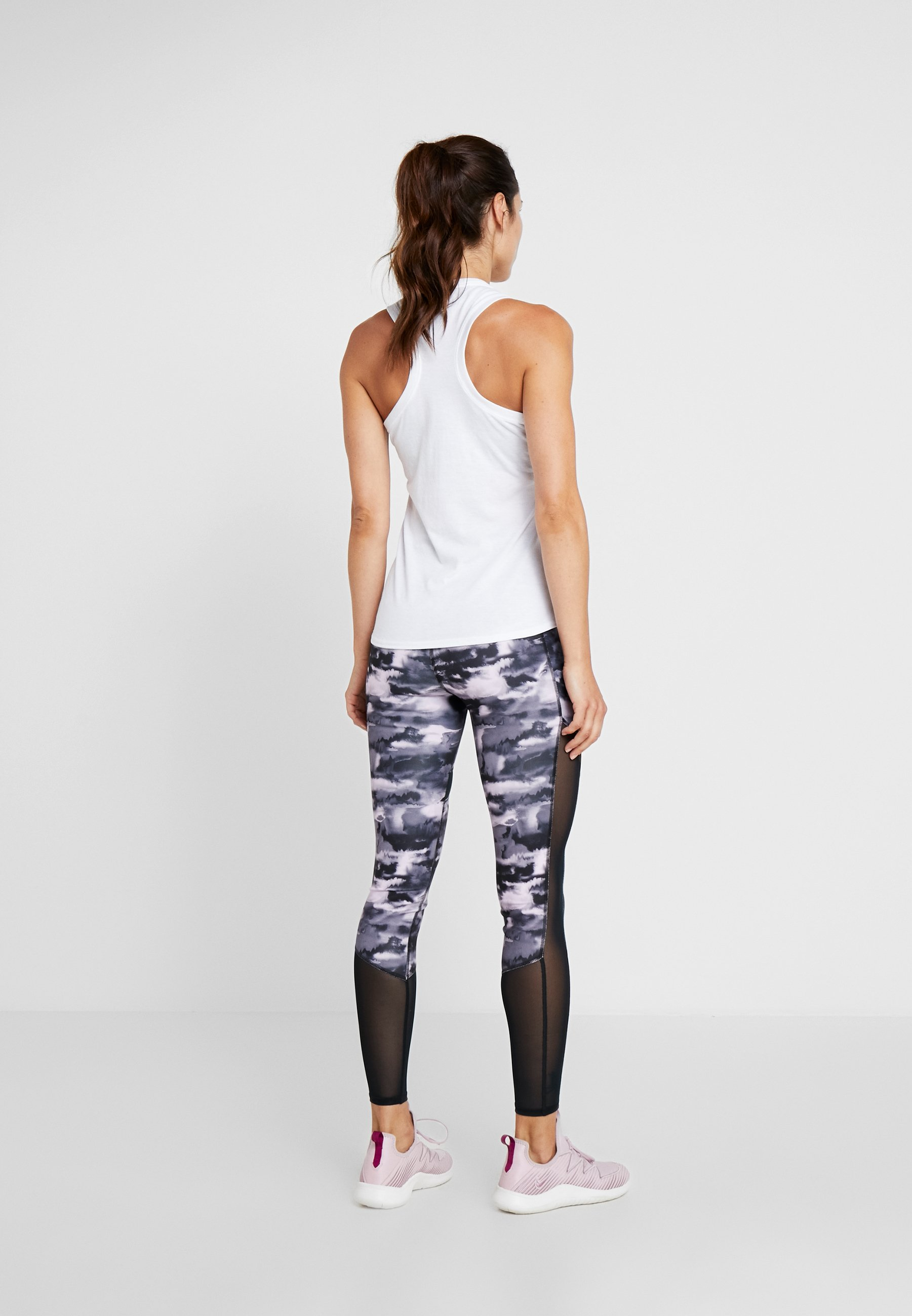 Superdry CORE SPORT GRAPHIC - Top white