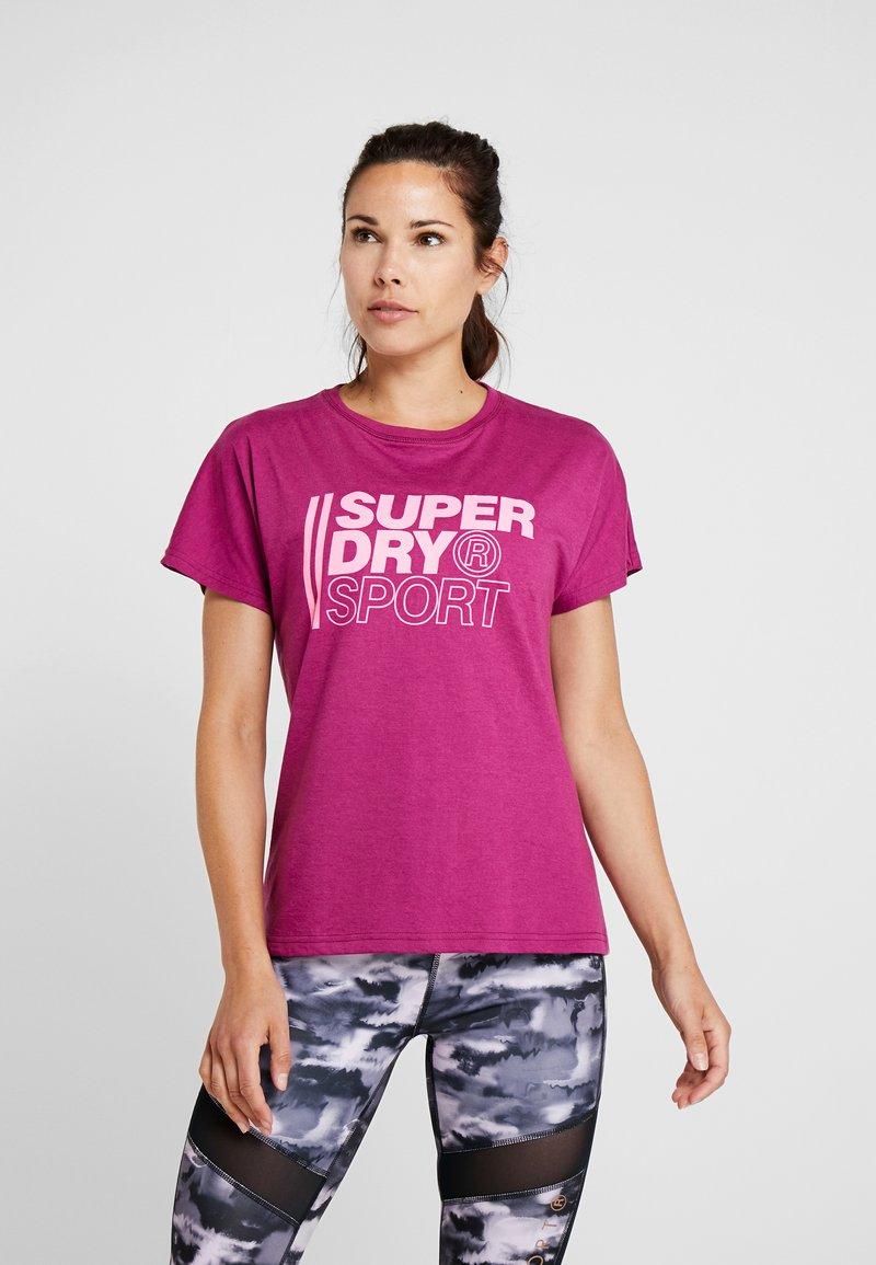 Superdry - CORE SPORT GRAPHIC TEE - T-Shirt print - raspberry
