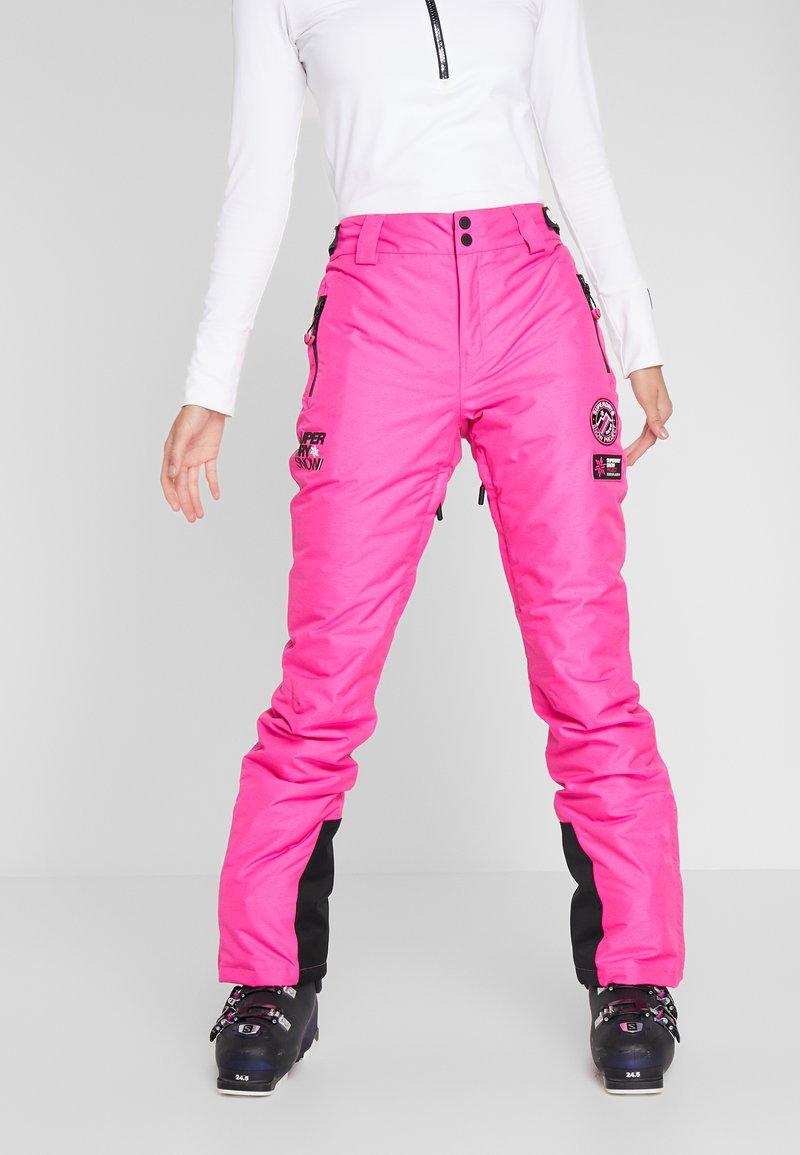 Superdry - SKI RUN PANT - Talvihousut - luminous pink