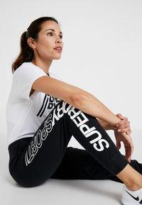 Superdry - CORE SPORT JOGGERS - Pantaloni sportivi - black - 3