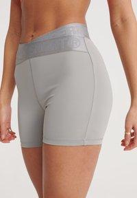 Superdry - SUPERDRY TRAINING CROSS SHORTS - Sports shorts - dove grey - 3