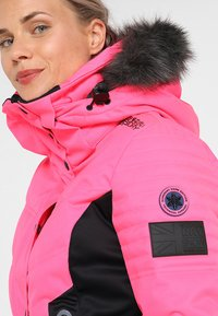 Superdry - LUXE SNOW PUFFER - Veste de ski - luminous pink sheen - 5
