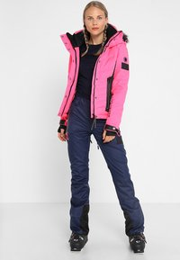 Superdry - LUXE SNOW PUFFER - Veste de ski - luminous pink sheen - 1