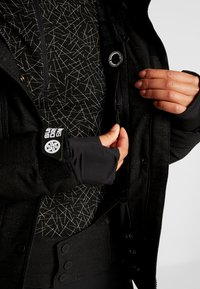 Superdry - LUXE SNOW PUFFER - Skidjacka - onyx black frost - 7