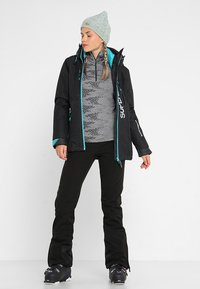 Superdry - MULTI JACKET - Kurtka narciarska - wax black - 1
