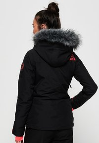 Superdry - ULTIMATE SNOW ACTION - Kurtka narciarska - black - 2