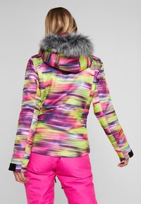 Superdry - SKI RUN JACKET - Kurtka snowboardowa - pink/yellow - 2