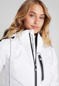 Superdry - SKI CARVE JACKET - Ski jas - arctic white - 6