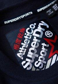Superdry - ATHLETICO CROP CREW - Collegepaita - blue - 4
