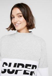Superdry - SPORT PUSHER CREW - Sweatshirt - black - 3
