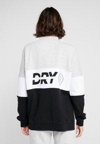Superdry - SPORT PUSHER CREW - Sweatshirt - black - 2