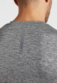 Superdry - ACTIVE SMALL LOGO GRAPHIC TANK - Funktionsshirt - monogranite marl - 5