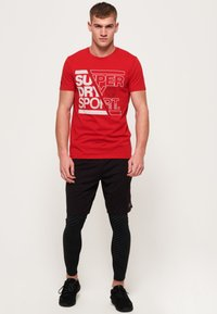 Superdry - CORE - Print T-shirt - red - 1