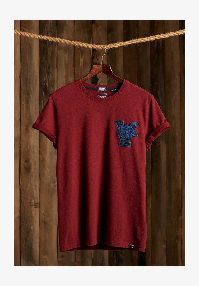 VINTAGE APPLIQUE - Print T-shirt - deep port