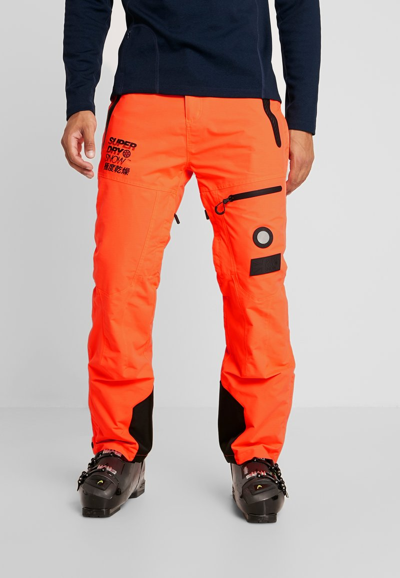 Superdry - PRO RACER RESCUE PANT - Skibroek - hazard orange