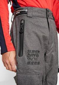 Superdry - ULTIMATE SNOW RESCUE PANT - Schneehose - black tex rock - 4