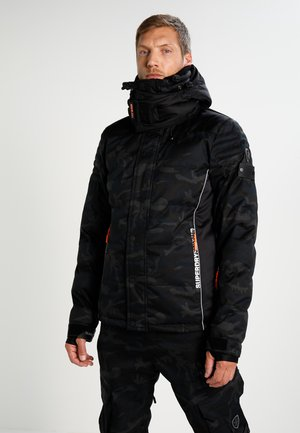 SNOW PUFFER - Snowboardjacka - shadow camo
