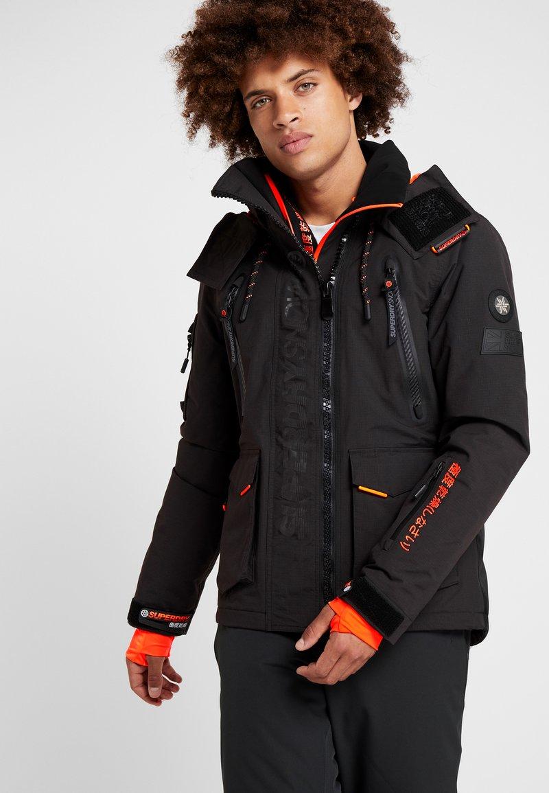 Superdry - ULTIMATE SNOW RESCUE - Snowboardjas - onyx black