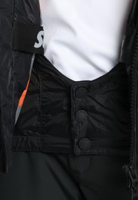 Superdry - JAPAN EDITION SNOW JACKET - Kurtka narciarska - black - 8