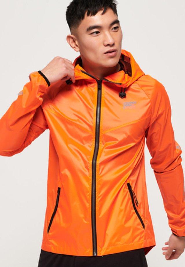 Regenjacke / wasserabweisende Jacke - orange