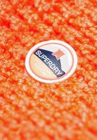 Superdry - CLARRIE SNOOD - Tubhalsduk - coral - 2