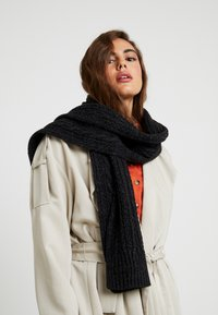 Superdry - JACOB SCARF - Sjal - magma black