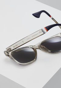 Superdry - SUPERFARER - Gafas de sol - gloss grey crystal/blue revo - 5
