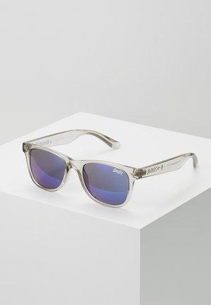 SUPERFARER - Zonnebril - gloss crystal grey